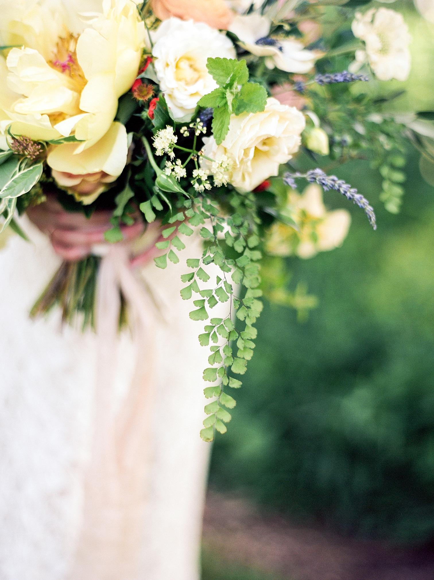 Outdoor Wedding Details, Colorado Mountain Weddings, Danielle DeFiore Photographer, Destination Wedding Photographers, Weddings in Boulder Colorado, Outdoor Ceremony, Film Photographer, Summer Wedding Bouquet