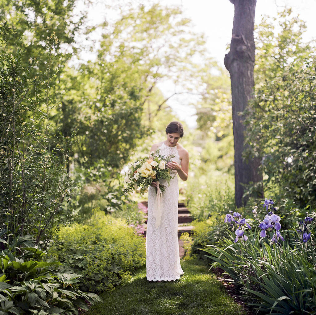 Chautauqua Dining Hall Wedding, Rolleiflex Photos, Outdoor Wedding Details, Colorado Mountain Weddings, Danielle DeFiore Photographer, Destination Wedding Photographers, Weddings in Boulder Colorado, Outdoor Ceremony, Film Photographer, Summer Weddings, Bride Holding Bouquet