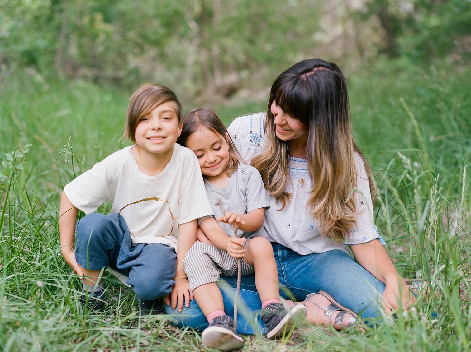 Film Photographers, Colorado Family Portraits, Fort Collins Portrait Photographer, Summer Family Portraits, Mother With Children, Family Portraits With Rolleflex Camera, Danielle DeFiore Photography