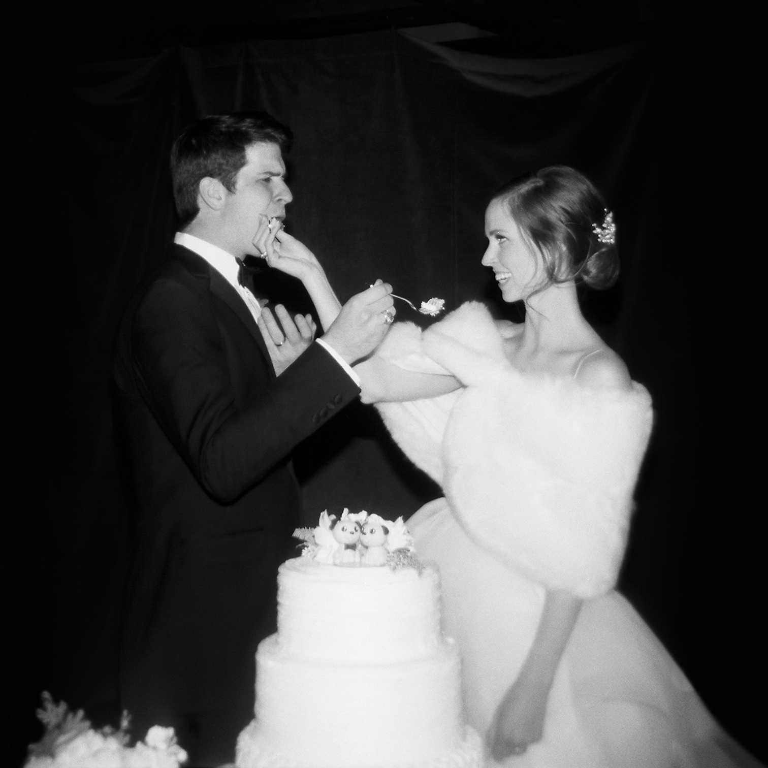 Telluride Summer Weddings, Gorrono Ranch, Destination Wedding, Film Photography, Holga, Cake Cutting
