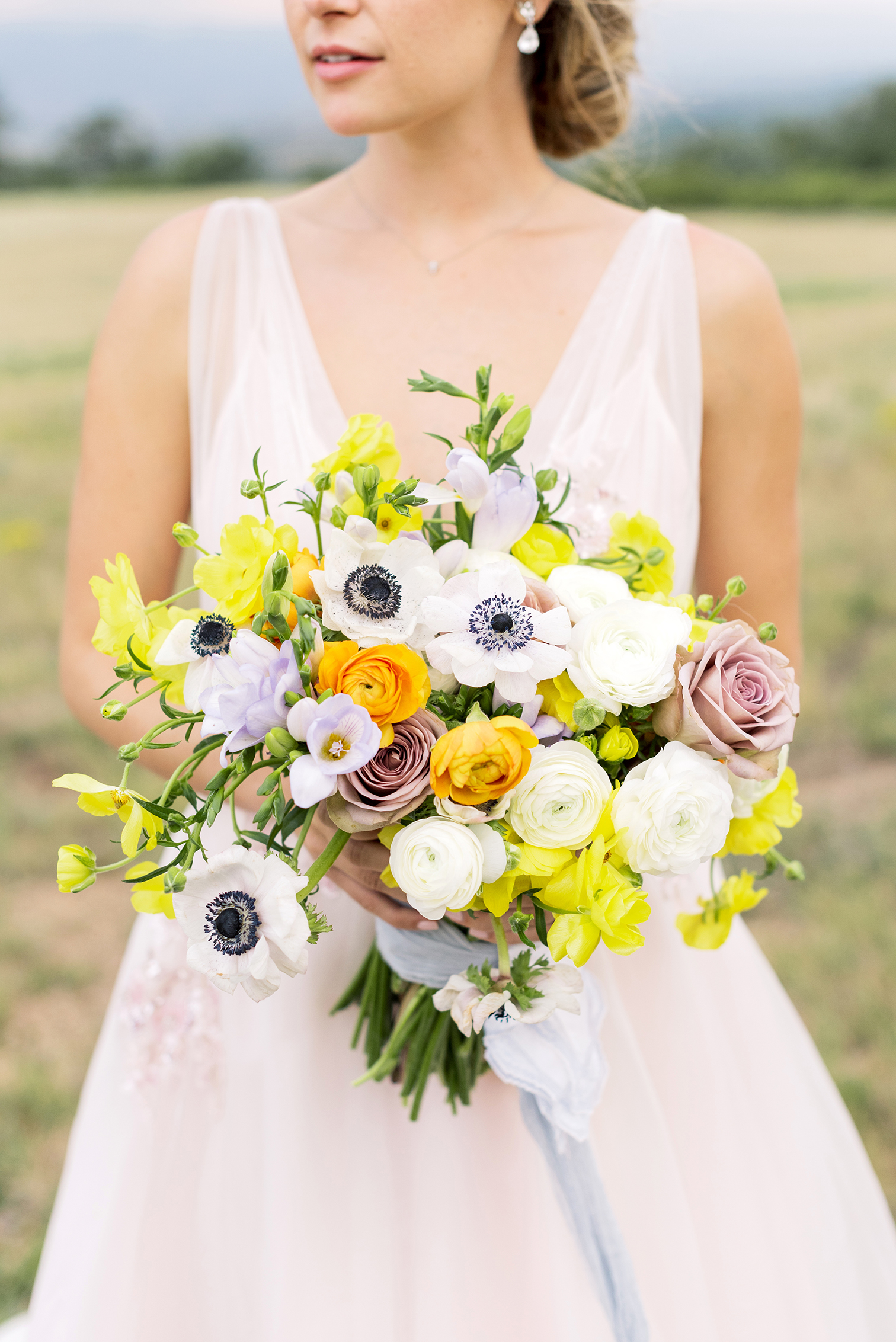 Colorado Wedding Photographers, Summer Wedding Bouquets, Film Photographers in Colorado, Mountain Destination Weddings